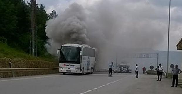 Mengen'de yolcu otobüsündeki yangın korkuttu