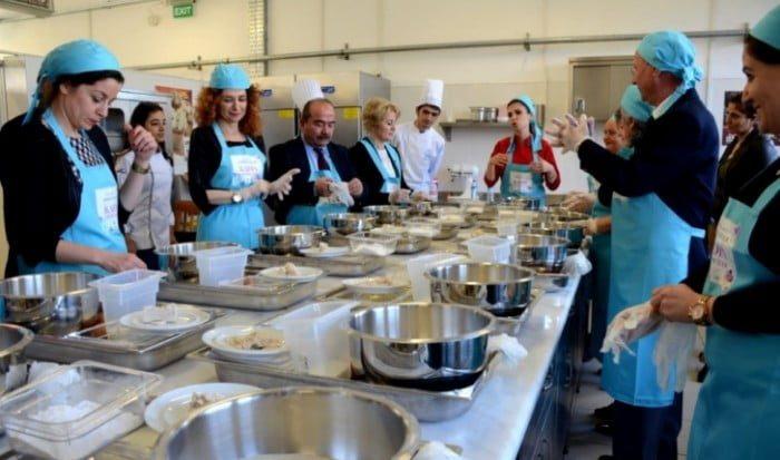 Yemek yazarları Mengen'de öğrencilerle buluştu