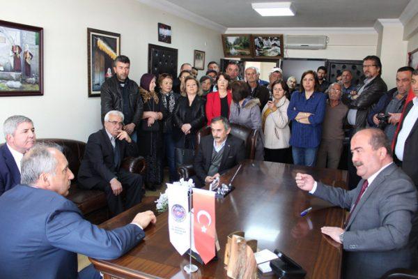 CHP Milletvekili Muharrem İncen Mengen'de vatandaşlara hitap etti.