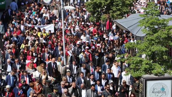 Bolu, İzzet Baysal'a saygı için yürüdü