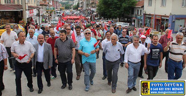 Mengen'de 15 Temmuz Demokrasi yürüyüşü yapıldı