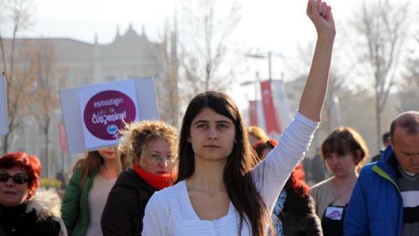 Kadına şiddet yürüyüşü