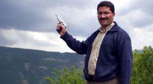 Mengen İlçe Milli Eğitim Müdürü'nün tabancalı fotoğrafı ortalığı karıştırdı