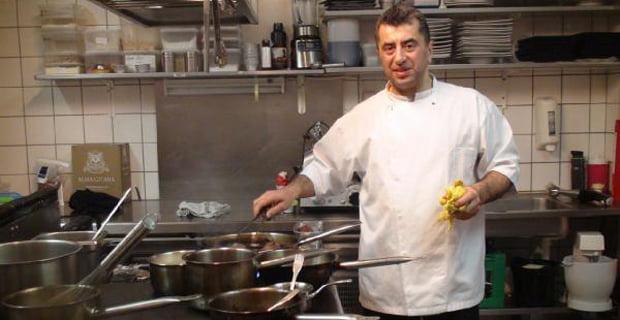 Mengen'li  aşçı İsmail Aydoğaner başarılarını anlattı