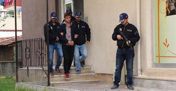 Polisin yanındaki apartmana terör operasyonu